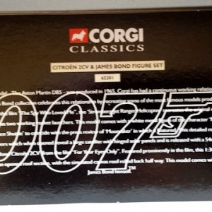 W50.21-674.6 -Corgi 65301 James Bond Collection  Citroen 2CV and Bond figure set   (10)