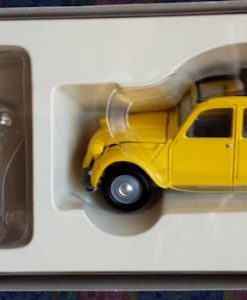 W50.21-674.6 -Corgi 65301 James Bond Collection  Citroen 2CV and Bond figure set   (11)