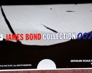 W50.21-674.6 -Corgi 65301 James Bond Collection  Citroen 2CV and Bond figure set   (6)