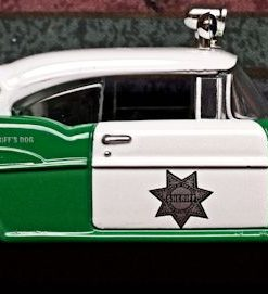 W894 - 40.7 - Corgi  51301 - San Diego Chevrolet Sherriffs Car (17)